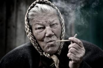 Юлия - на 39 години, пуши от 14 годишна