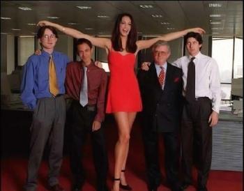Шефът много искаше висока секретарка