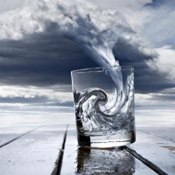 Буря в чаша вода