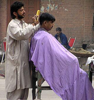 Притча за Бог и бръснаря