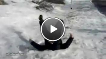 Пиян руснак прави предно салто